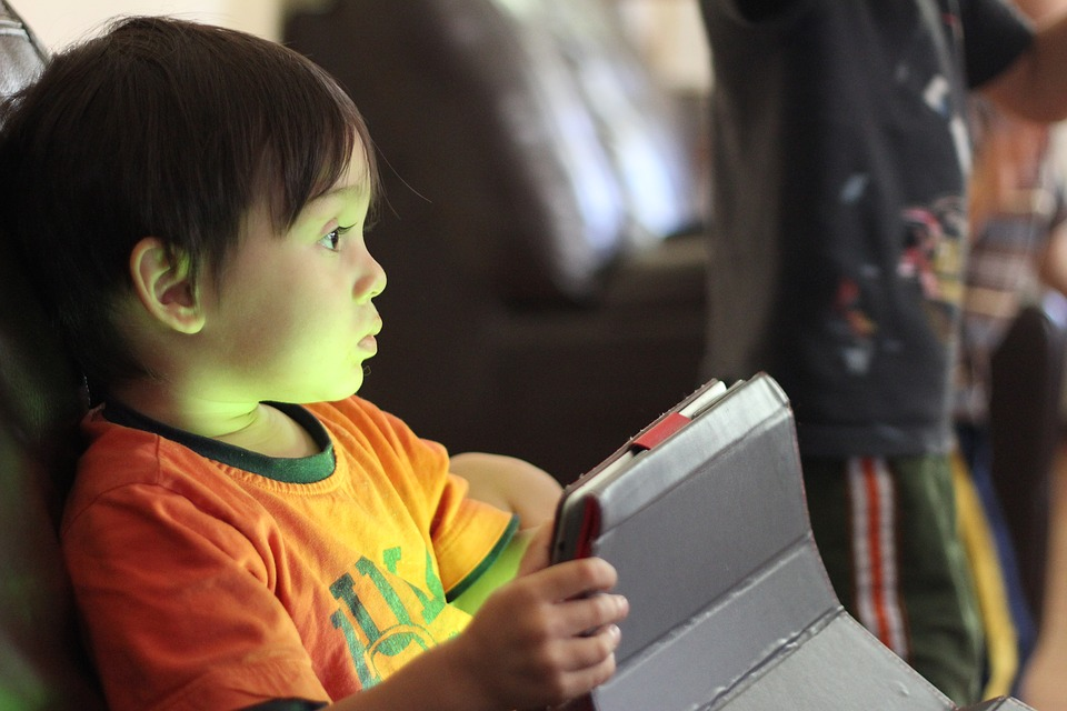screen time for toddlers explodes