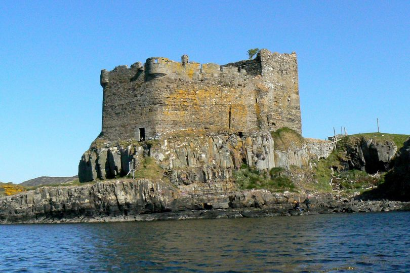 Secret Bone-Filled Room in a Castle Opened After 500 Years