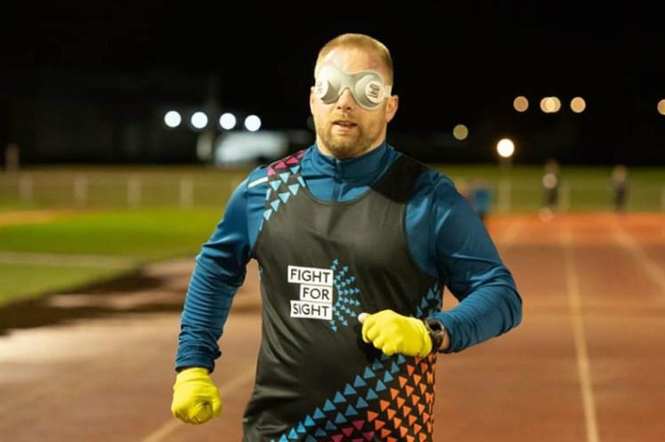 Runner Sets World Record For Running Fastest Mile While BLINDFOLDED