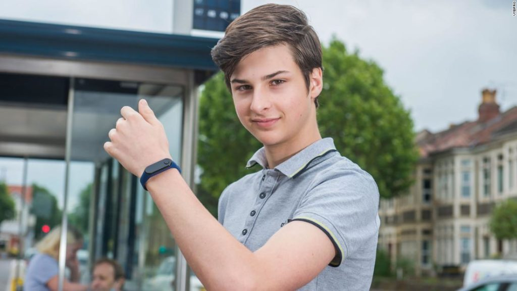 Teen Invents WATCH to Warn People Not to Touch Their Faces