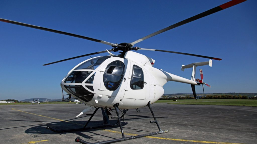 104-Year-Old Woman Rents HELICOPTER to Visit Family
