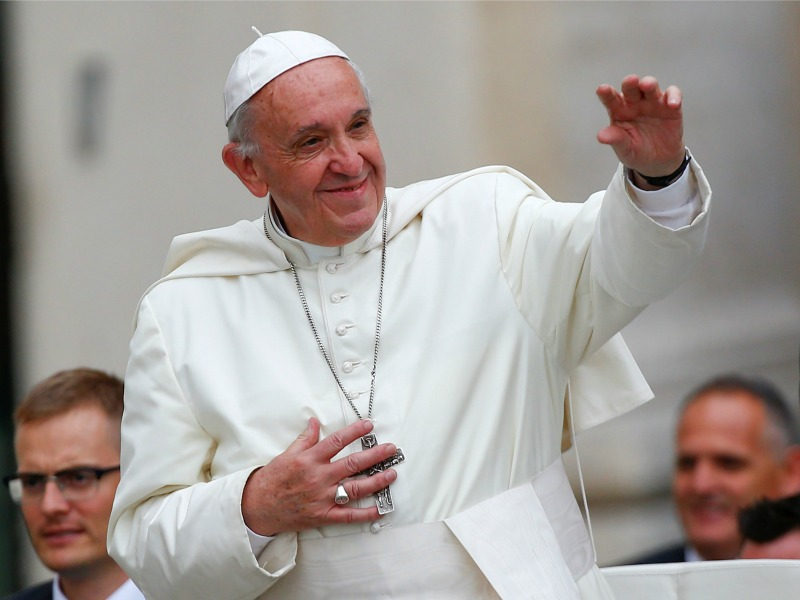 Official POPE FRANCIS' Instagram Found Lurking and LIKING Model's Post