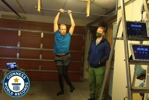 Man Dead Hangs for 16 Minutes to Break RECORD