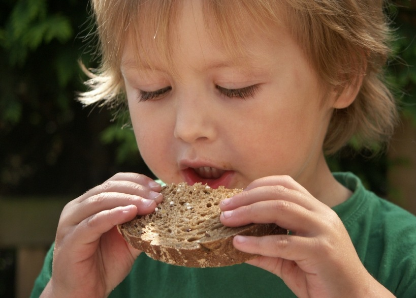 Eating 3 Portions of WHOLE GRAINS Helps You Reduce Waistline