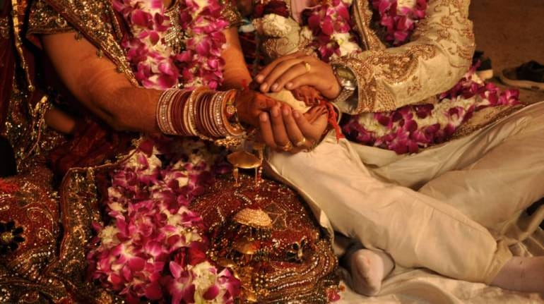 ALL MALE GOVERNMENT EMPLOYEES in India Now Required to Follow No Dowry Declaration